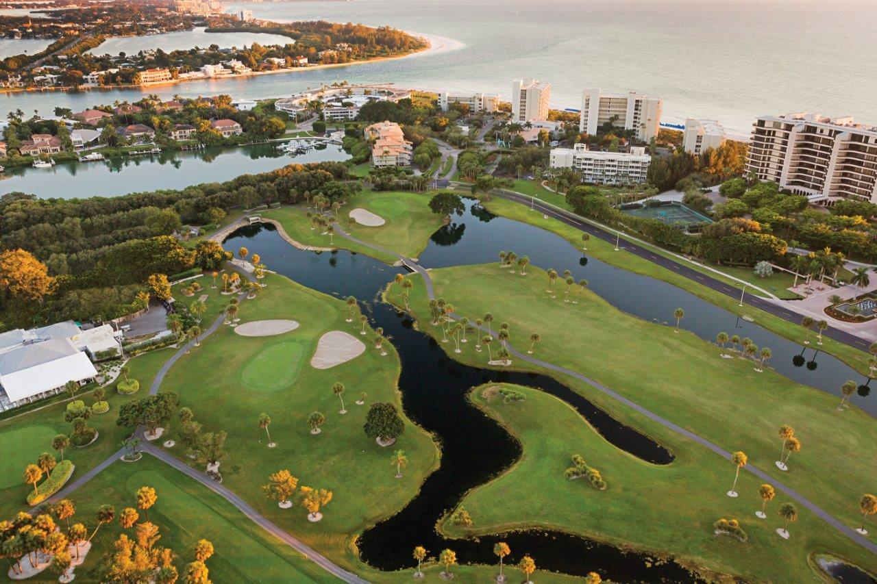 full service Sarasota golf community with Golf, Tennis & Beach Club